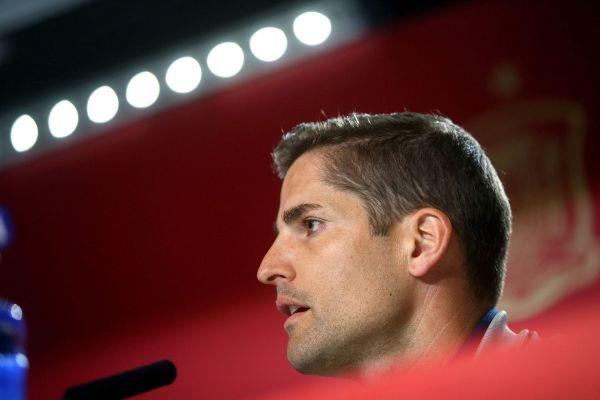 GRAF633. LAS ROZAS (MADRID).- El entrenador de la selección española...