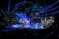 Actuación de Bad Bunny en la 20ª ceremonia anual de los Grammy Latinos en el MGM Grand Garden Arena en Las Vegas, Nevada, EEUU.