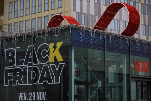 Decorado por el Black Friday en una tienda de Francia