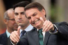 El presidente de Brasil, Jair Bolsonaro, participa en el lanzamiento de un nuevo partido llamado Alianza por Brasil.