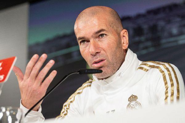 GRAF9471. MADRID.- El técnico del Real Madrid Zinedine...
