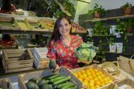 La nutricionista y divulgadora, en una frutería de Madrid.