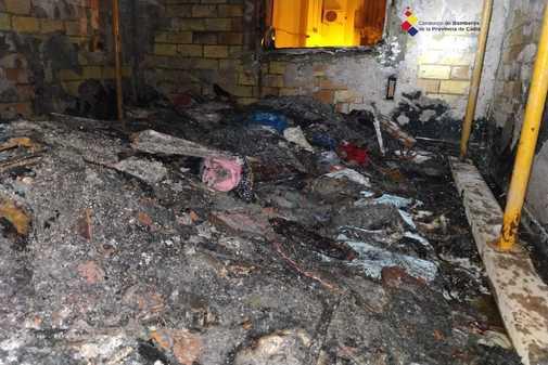 Los daños ocasionados en la vivienda del primer piso tras el...
