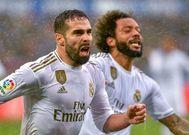 Carvajal y Marcelo celebran el segundo gol del Madrid.
