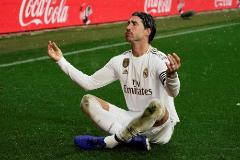 Sergio Ramos celebra el primer gol del Real Madrid en Vitoria.