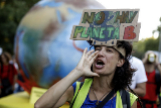 Una activista ecológica, durante la marcha de Madrid.