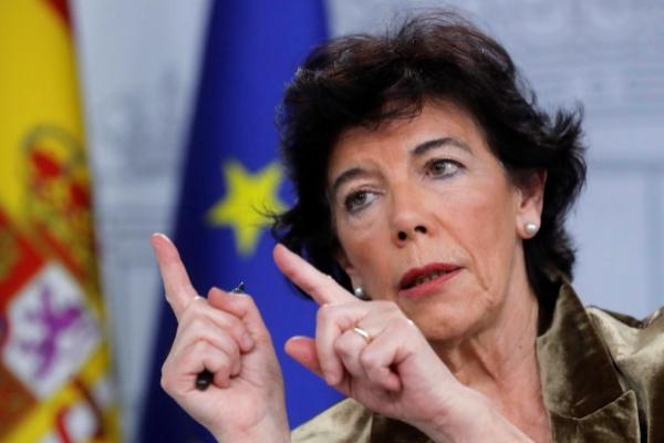 La ministra de Educación en funciones, Isabel Celaá, en la rueda de...