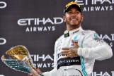 Hamilton, sin piedad en Yas Marina; Sainz redondea su sexto puesto en el Mundial