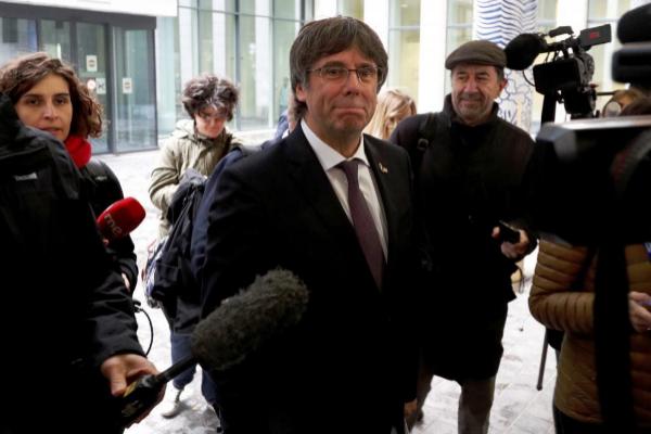 El ex presidente catalán Carles Puigdemont, tras quedar en libertad,...