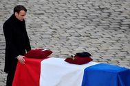 Emmanuel Macron, en el homenaje hoy en París a los soldados muertos.