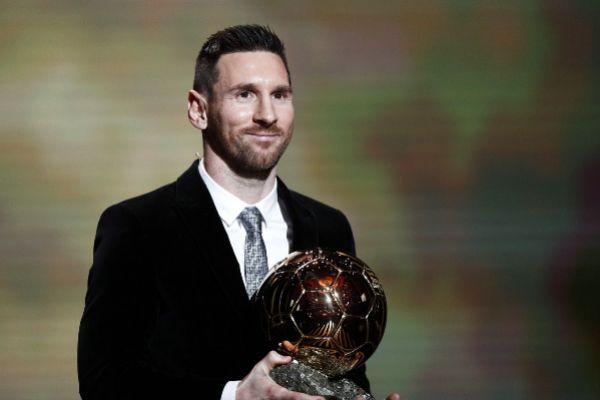 Paris (France).- Barcelona forward Lionel <HIT>Messi</HIT> wins the...