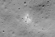 Imagen difundida por la Nasa del lugar donde impactó la sonda.
