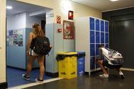 Alumnos adolescentes en un instituto de Madrid.