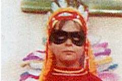 Miquel Iceta, de niño, disfrazado de indio, en una foto de su biografía «Iceta. El estratega del Partido Socialista».