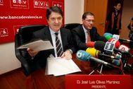José Luis Olivas y Domingo Parra en la presentación de las cuentas de 2009 de Banco de Valencia.
