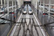 Trenes de Renfe en la estación de Atocha