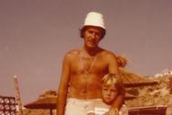 Manuel Tejada como padre de Tito en 'Verano Azul'.