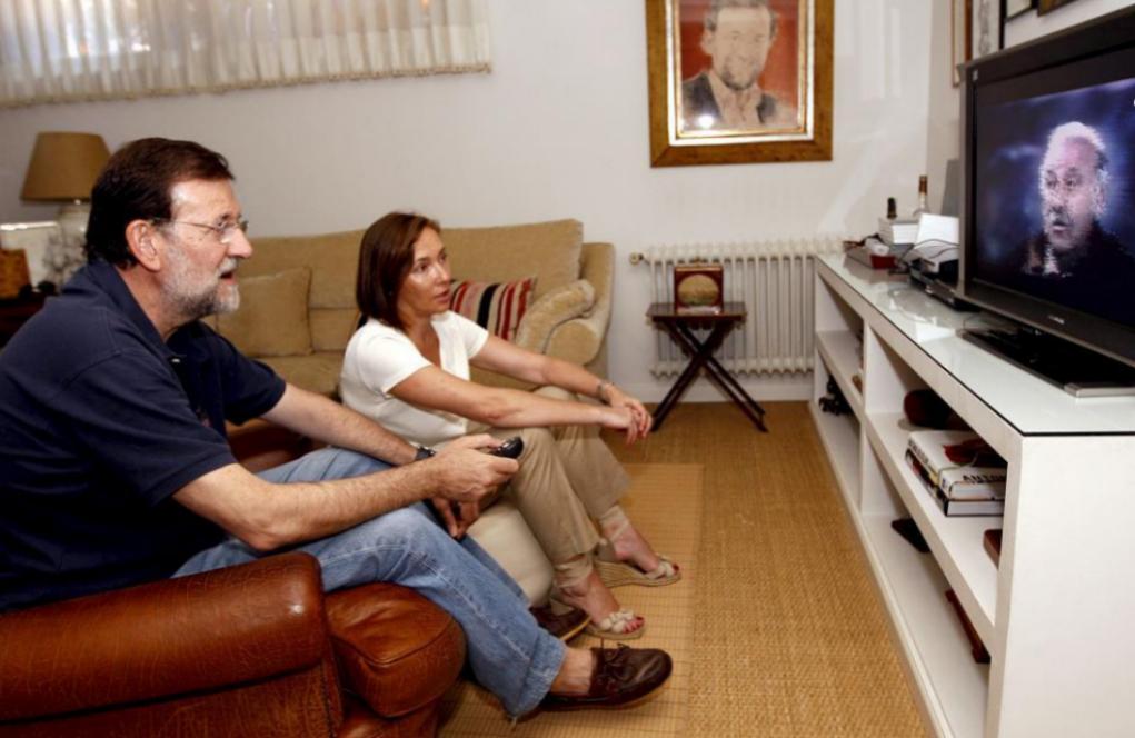 Mariano Rajoy ve con su mujer Elvira Fernández, un partido del...