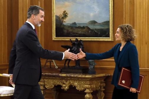 Felipe VI recibe a la presidenta del Congreso, Meritxell Batet, en La...