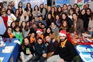 Profesores, alumnos y representantes de organizaciones en el Día del Voluntariado.