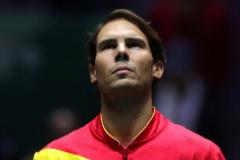 GRAF4500. MADRID.- El tenista Rafa <HIT>Nadal</HIT> escucha el himno nacional antes de su encuentro frente al argentino Diego Schwartzman, este viernes durante la quinta jornada de la Copa Davis disputada en la Caja Mágica de Madrid.