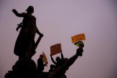 Protestas contra la reforma de las pensiones en París, este jueves.