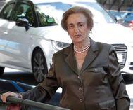 Teresa Rivero, caminando por Madrid.