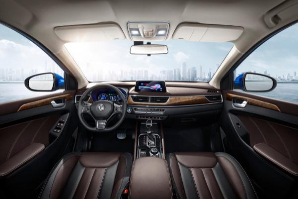 DFSK SUV 580 interior