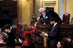 Votación, el 3 de diciembre, para constituir la mesa del Congreso, presidida por el diputado Agustín Zamarrón, cuyo aspecto recuerda a Valle Inclán.