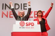 Berlin (Germany).- New Social Democratic Party (SPD) co-chairs Saskia Esken (R) and Norbert Walter-Borjans react after their election during the SPD party convention at CityCube in Berlin, Germany, 06 December 2019. SPD party members gather in the German capital from 06 to 08 December to vote for the new party leadership. (<HIT>Alemania</HIT>) EPA/