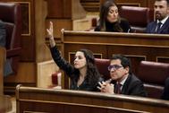 Inés Arrimadas, portavoz de Ciudadanos, pide la palabra el pasado martes en la sesión constitutiva del Congreso de los Diputados.