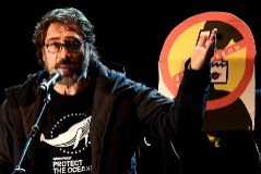 """PP, Cs, el director de Telemadrid... responden a Bardem tras llamar """"estúpido"""" a Almeida: """"Gilipollas"""""""