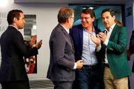 Los barones 'populares' Alberto Núñez Feijóo (Galicia), Alfonso Fernández Mañueco (Castilla y León) y Juanma Moreno (Andalucía), junto a Teodoro García Egea en la sede del PP.