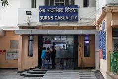 Muere en India la víctima de violación que fue quemada cuando iba a testificar