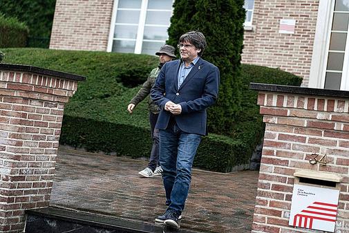 El ex presidente de la Generalitat Carles Puigdemont, en su mansión...
