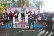 Ganadores, autoridades y organizadores de la carrera.