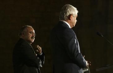 Los líderes de ERC, Josep Lluís Carod-Rovira, y PSC, Pasqual Maragall, celebran en 2005 el segundo aniversario del Pacto del Tinell que inspiró el tripartito en Cataluña.