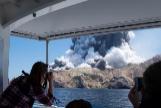 La Policía no cree que haya supervivientes tras la erupción del Whakaari