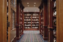 La mayor colección de whisky del mundo sale a subasta