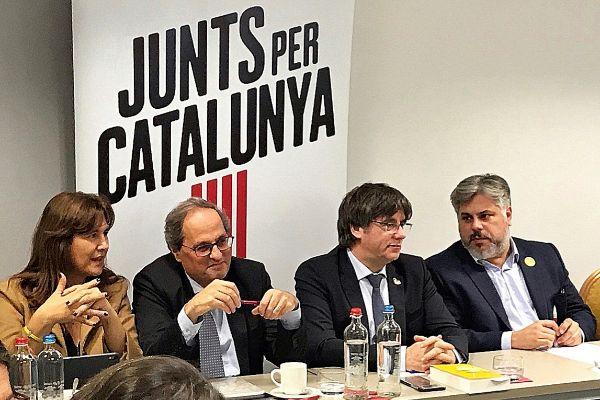 Laura Borrás, Quim Torra y Carles Puigdemont, entre otros, en la...