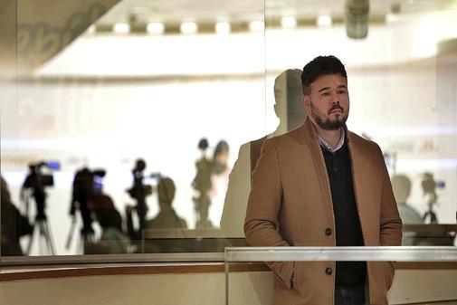 Pedro Sánchez baraja legitimar en el Congreso la 'mesa del conflicto' con la Generalitat
