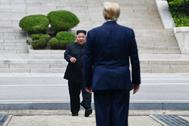 Imagen del encuentro entre Donald Trump y Kim Jong Un el pasado junio.
