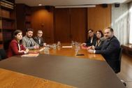 Los grupos negociadores de ERC y PSOE este mediodía en Barcelona.