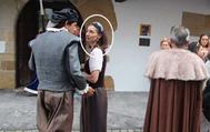 Pilar Llop (en el círculo blanco), disfrazada el pasado 26 de agosto, en Villaviciosa, Asturias.