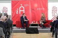 Ximo Puig y Nuria Oliver en la presentación de la la estrategia.