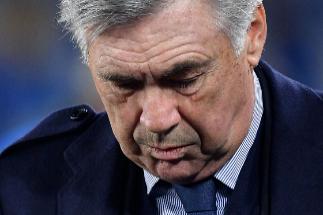 Despide a Ancelotti pese a la clasificación para octavos
