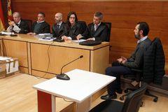 Las acusaciones, a la izquierda, en una de las sesiones del juicio.