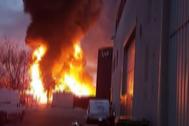 Incendio en la empresa Derpin, de tratamiento de residuos, en  Montornès del Vallès.