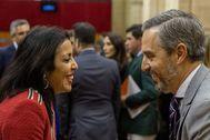 La presidenta del Parlamento, Marta Bosquet (Cs), y el consejero de Hacienda, Juan Bravo, este miércoles en el Parlamento andaluz.