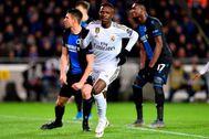 Vinicius feteja su gol en el Jan Breydel.
